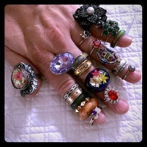 21 RINGS for $20 👍 Fun mix ring lot Mood ring NEW